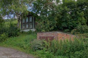 Старый каменный гараж