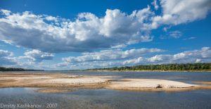 Песчаный пляж на реке Оке. Город Горбатов