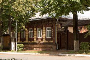Улица Ленина в Суздале. Деревянные дома