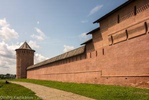 Стена монастыря. Вид влево от входа