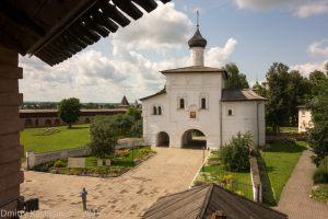 Вид на Благовещенскую церковь