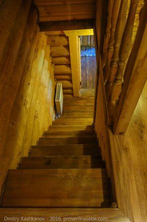 Лестница. Верхний номер Гостевого домика Веры Федоровны. Суздаль