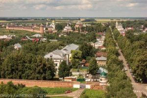 Суздаль. Красные стены и башни Ефимьевского монастыря