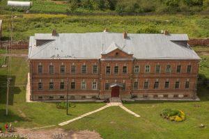 Здание на территории Ризоположенского монастыря