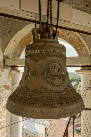 Самый большой колокол Преподобенской колокольни Суздаля. Вес 3.5 тонны