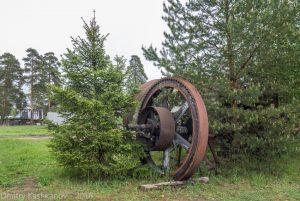 Музей паровозов в Переславле-Залесском. Огромное колесо - часть механизма
