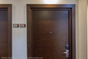 Дверь в мой номер. Отель Кортъярд Мариотт