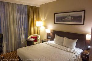 Двуспальная кровать. Отель Кортъярд в Нижнем Новгороде