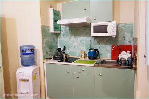 Бугров Хостел. 1 этаж. Кухня