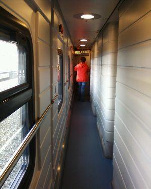 коридор купейного вагона поезда Стриж