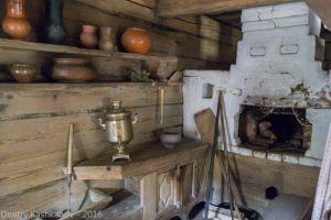 Печь, на которую нельзя залезать. Музей деревянного зодчества. Нижний Новгород.