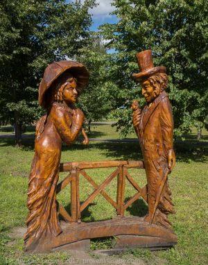 Деревянные фигуры. Экскурсия в Большое Болдино