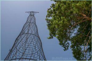 Башня Шухова. Вид снизу. Высота 128 метров