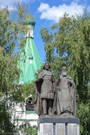 Памятник Георгию Всеволодовичу и святителю Симону