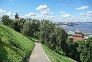 Спуск со смотровой площадке к Ивановской башне