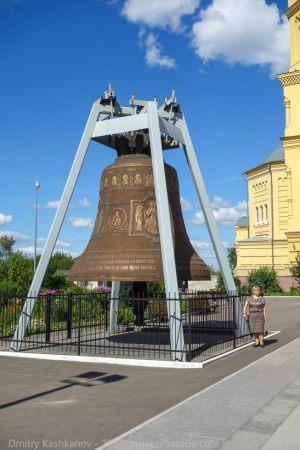 Соборный колокол - третий по величине в России