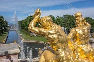 Статуи большого каскада Петергофа