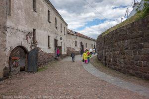 Выборгский замок. Внутренний двор. Путь к башне Олафа