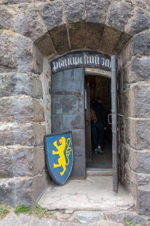 Выборгский замок. Внутренний двор. Выставка Рыцарский зал