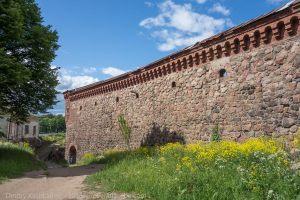 Выборгский замок. Внешние стены и башни